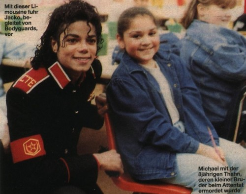 Michael Jackson visiting Cleveland Elementary after the shooting.