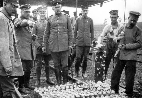 Fritz Haber at Ypres, 1915. (Haber is the one pointing.)
