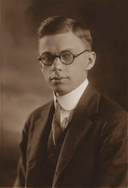 Revenge of the Nerds: James Conant, 1921. That's right — four years after World War I ended, he still looked like an alter boy. Source: Harvard University Archives.