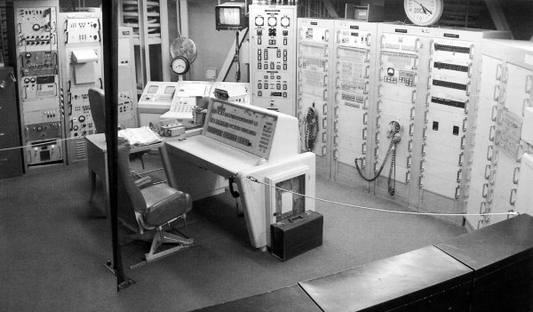 Titan II Launch Control Center, with the facilities console at center. From Penson.