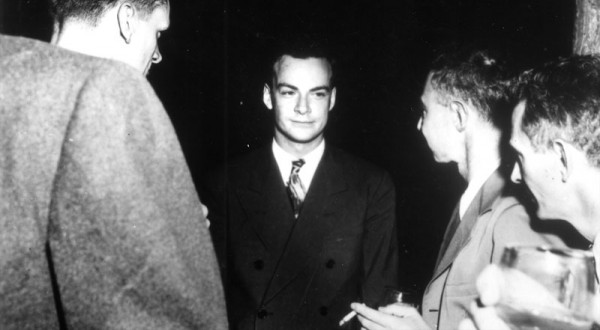 Charles Critchfield, Richard Feynman, J. Robert Oppenheimer, and an unidentified scientist, at Los Alamos. Source: Emilio Segrè Visual Archives, via Los Alamos.