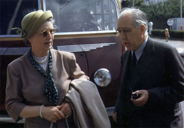 Margrethe and Niels Bohr converse in Copenhagen, 1947, in this extremely rare color photo. Source: Emilio Segrè Visual Archives, Niels Bohr Library, American Institute of Physics.