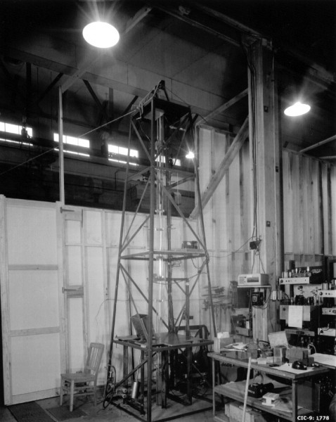 "Otto Frisch's original ""dragon"" reactor — the uranium ""guillotine."" Source: R.E. Malenfant, ""Experiments with the Dragon Machine"" (LA-14241-H, August 2005)."